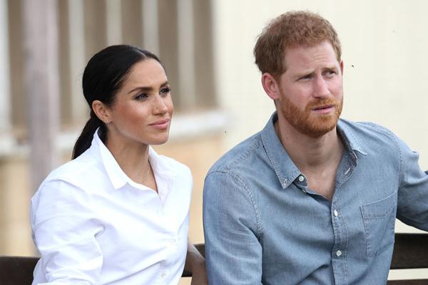 Cái kết đắng của vợ chồng Hoàng tử Harry và Meghan Markle: Bị bạn thân của mẹ - Công nương Diana từ chối giúp đỡ - Ảnh 2.