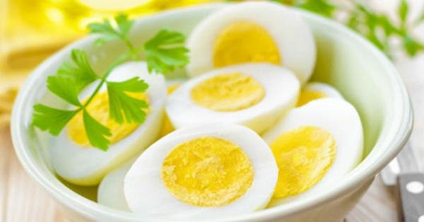 Bé gái 3 tuổi bị ngộ độc vì ăn trứng luộc, bà ngoại hối hận vì cách luộc trứng phản khoa học - Ảnh 3.