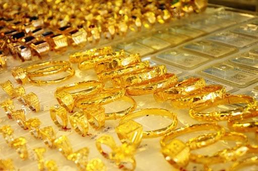 Giá vàng hôm nay 2/6: Tăng vọt lên mức kỷ lục - Ảnh 1.