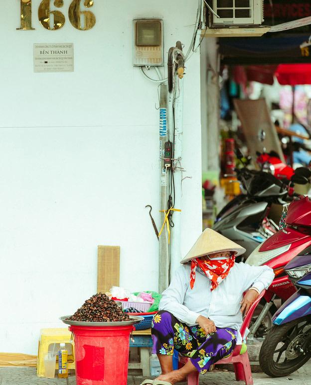 Hàng ốc xào bậc nhất Sài Gòn: Suốt 2 đời chỉ bán 1 món - Ảnh 6.