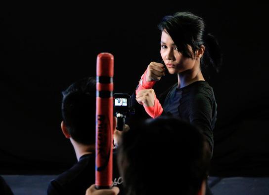Thúy Ngân, Thanh Bình chấn thương khi quay phim hành động - Ảnh 6.