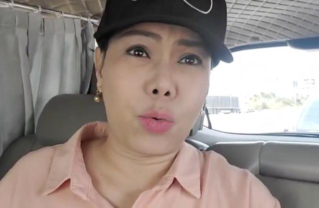 Việt Hương: Tôi muốn đi Hạ Long, lập tức có người mang cano 21 tỷ đến mời chị lấy du thuyền này lái đi! - Ảnh 2.