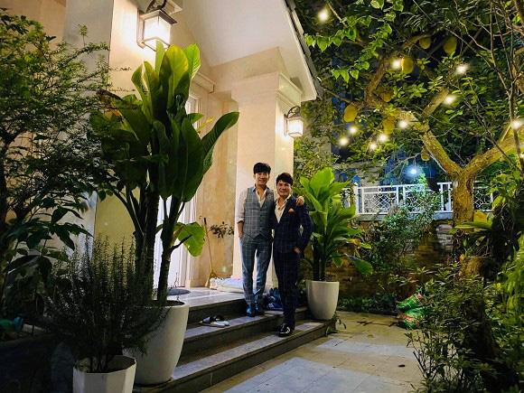 Thăm biệt thự 20 tỷ ở Hà Nội của nam ca sĩ thích sưu tầm sổ đỏ và sở hữu hàng chục căn nhà khác ở Sài Gòn - Ảnh 3.
