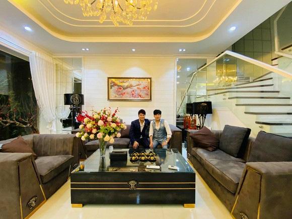 Thăm biệt thự 20 tỷ ở Hà Nội của nam ca sĩ thích sưu tầm sổ đỏ và sở hữu hàng chục căn nhà khác ở Sài Gòn - Ảnh 6.