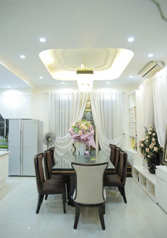 Thăm biệt thự 20 tỷ ở Hà Nội của nam ca sĩ thích sưu tầm sổ đỏ và sở hữu hàng chục căn nhà khác ở Sài Gòn - Ảnh 8.