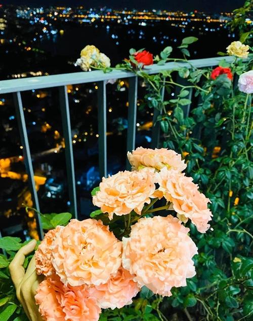 Căn hộ ngập sắc hoa của Ngọc Diễm - Ảnh 12.