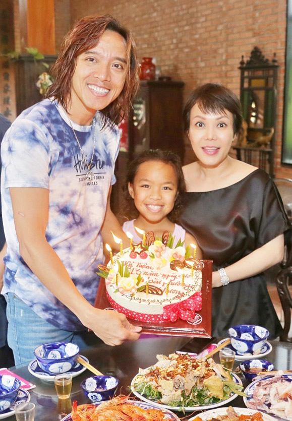 Tuổi 44, vì hoàn cảnh nên phải yêu xa, danh hài Việt Hương tin chồng tuyệt đối - Ảnh 5.