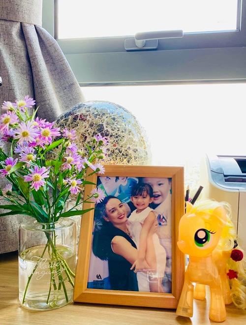 Căn hộ ngập sắc hoa của Ngọc Diễm - Ảnh 8.