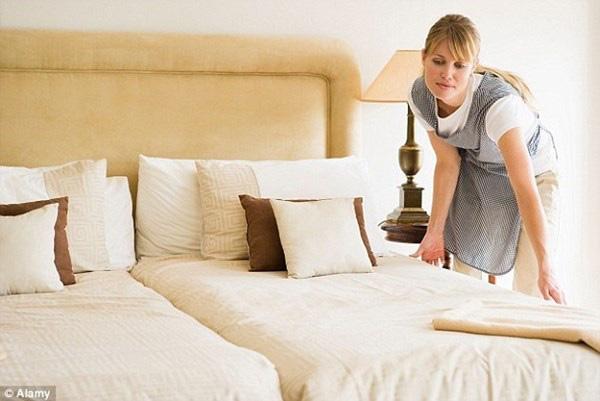 Lời thú nhận của nhân viên khách sạn sẽ khiến bạn rùng mình, có những sự thật không ai có thể ngờ tới - Ảnh 3.