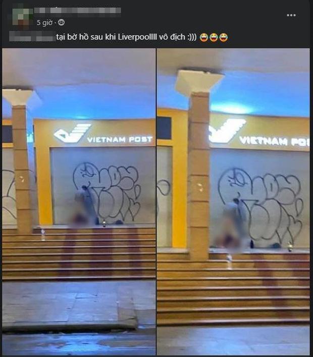 Cặp đôi có hành động phản cảm, vô văn hóa ngay tại Bưu điện Hà Nội khiến dư luận phẫn nộ - Ảnh 1.
