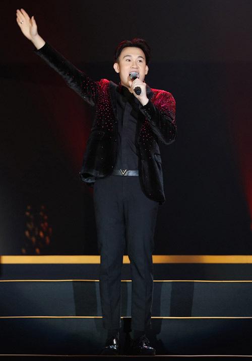 Hồ Quỳnh Hương trở lại sân khấu sau thời gian dài vắng bóng, biểu diễn thăng hoa - Ảnh 6.