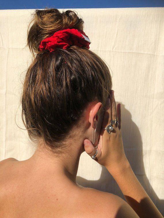 3 món phụ kiện tóc tưởng đã xưa cũ bất ngờ hot hit hè 2020 - Ảnh 4.