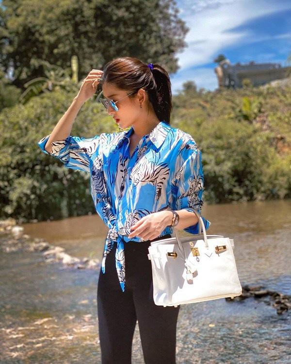 Style hè của bạn sẽ thật nhàm chán nếu còn chưa sắm ngay em áo họa tiết như sao Việt - Ảnh 1.