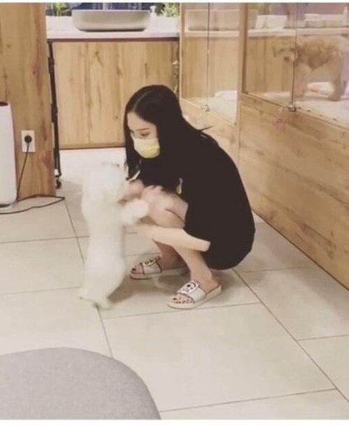 Linh Rin tình cảm với Phillip Nguyễn sau thời gian rạn nứt - Ảnh 2.