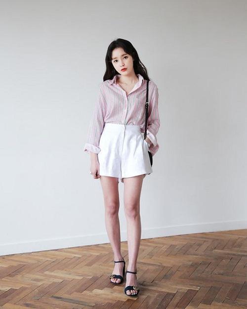 Ai cũng biết quần short ống rộng là item hot nhất hè 2020, mix với kiểu áo nào cho sành điệu mới khó - Ảnh 4.