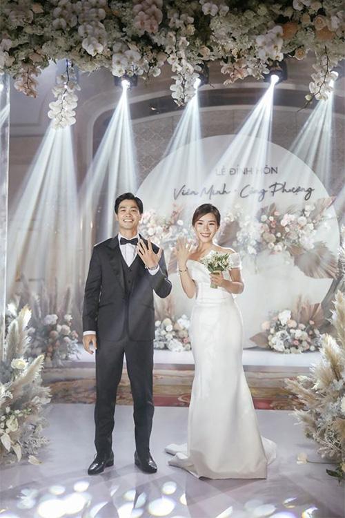 Công Phượng và vợ cười, khóc trong lễ đính hôn - Ảnh 5.