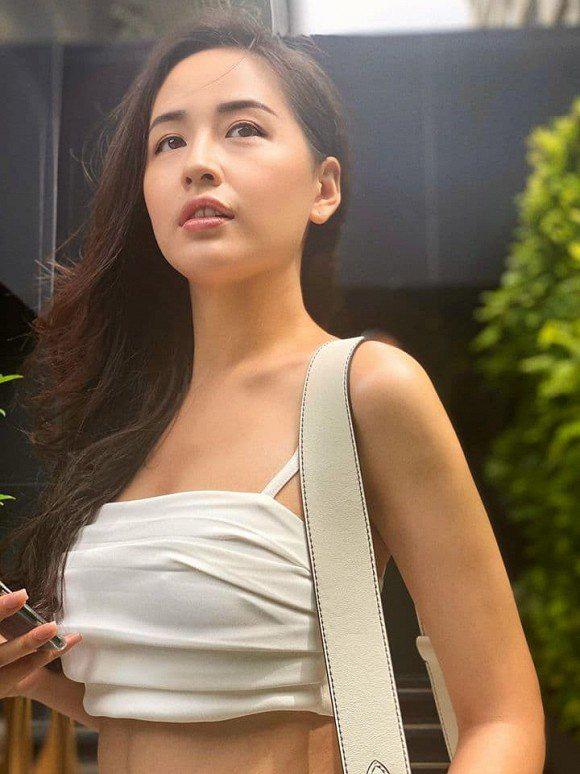 Từng bị stress vì bụng mỡ nay Mai Phương Thúy khiến fans xốn xang vì vòng eo bé tí - Ảnh 3.