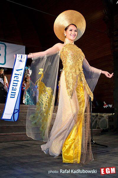 Hoa khôi Lại Hương Thảo: Từng bị chê tơi tả khi thi Miss World, trước lúc ly hôn có cuộc sống cực sang chảnh bên đại gia - Ảnh 2.