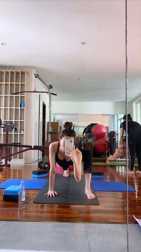 Hai lần mang bầu gây kinh ngạc của Hồ Ngọc Hà: Tích cực chạy show và tập luyện yoga động tác khó nhưng chưa có gì - Ảnh 7.