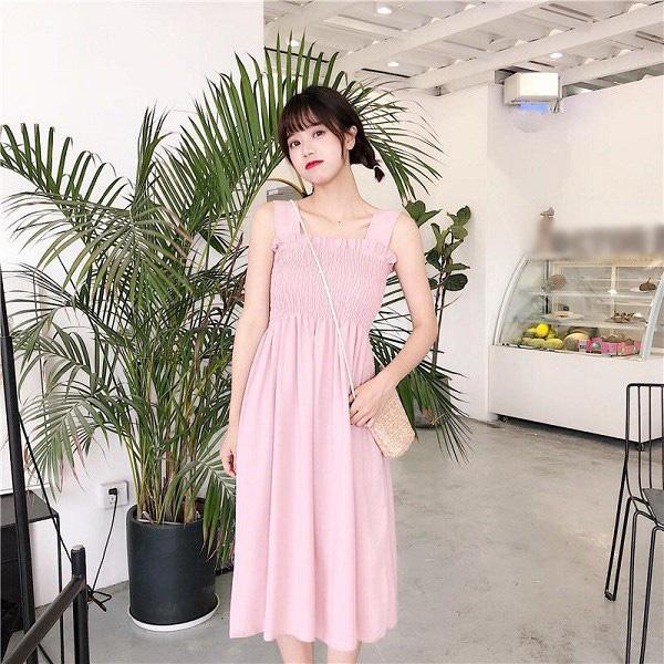 Kiểu váy liền được Hà Hồ ưu ái, mặc đi du lịch biển vừa đẹp lại khỏi lo đen da - Ảnh 11.