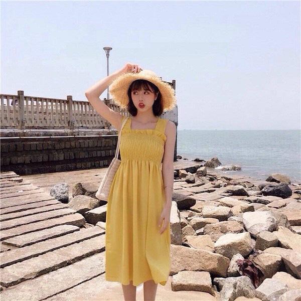 Kiểu váy liền được Hà Hồ ưu ái, mặc đi du lịch biển vừa đẹp lại khỏi lo đen da - Ảnh 13.