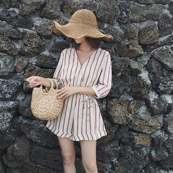 Kiểu váy liền được Hà Hồ ưu ái, mặc đi du lịch biển vừa đẹp lại khỏi lo đen da - Ảnh 14.