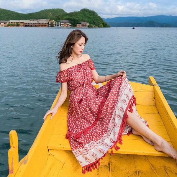 Kiểu váy liền được Hà Hồ ưu ái, mặc đi du lịch biển vừa đẹp lại khỏi lo đen da - Ảnh 10.