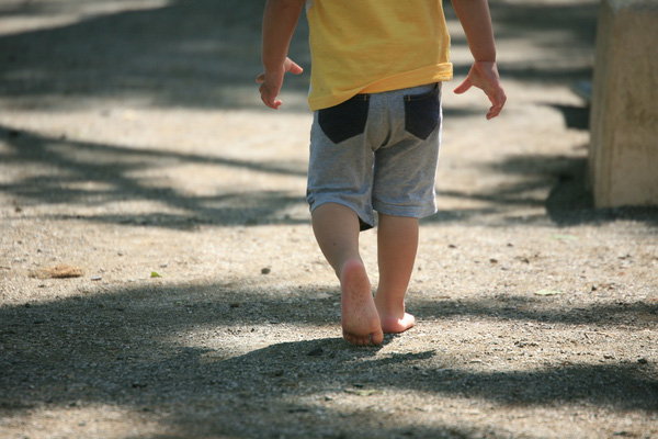 10 hành động tưởng có hại nhưng cha mẹ khôn ngoan không nên cấm con làm - Ảnh 6.