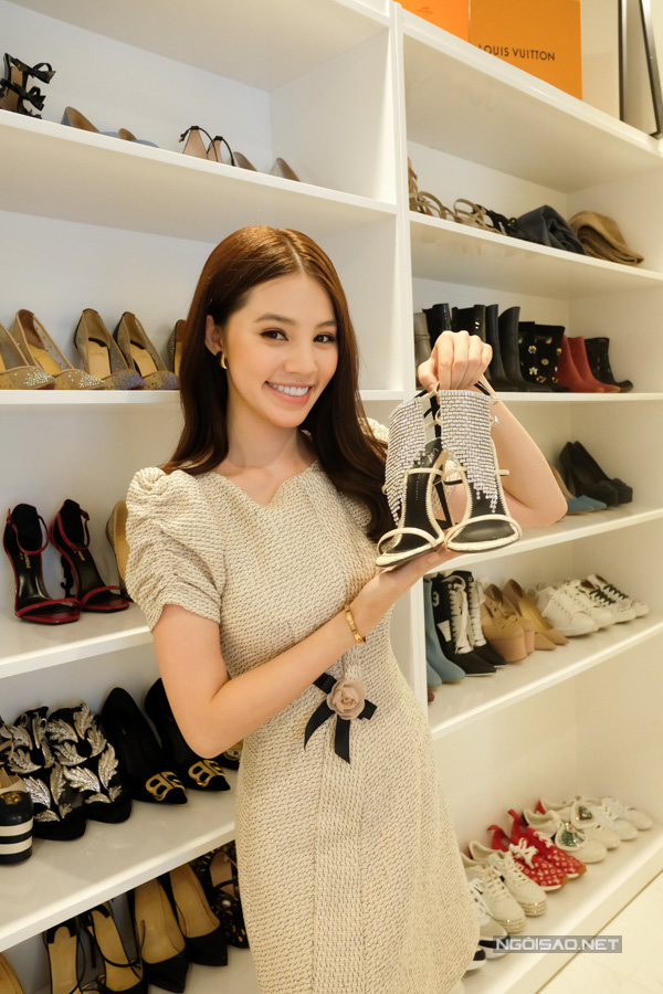 Bộ sưu tập đồ hiệu khủng của hoa hậu richkid Jolie Nguyễn, món đắt nhất là 300 triệu đồng khiến fan mắt tròn mắt dẹt - Ảnh 10.
