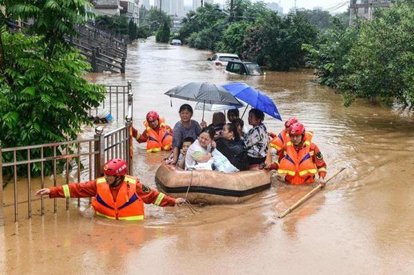 Lũ lụt tang thương ở Trung Quốc: 141 gười chết, di sản cầu cổ 800 năm tuổi bị phá hủy - Ảnh 8.