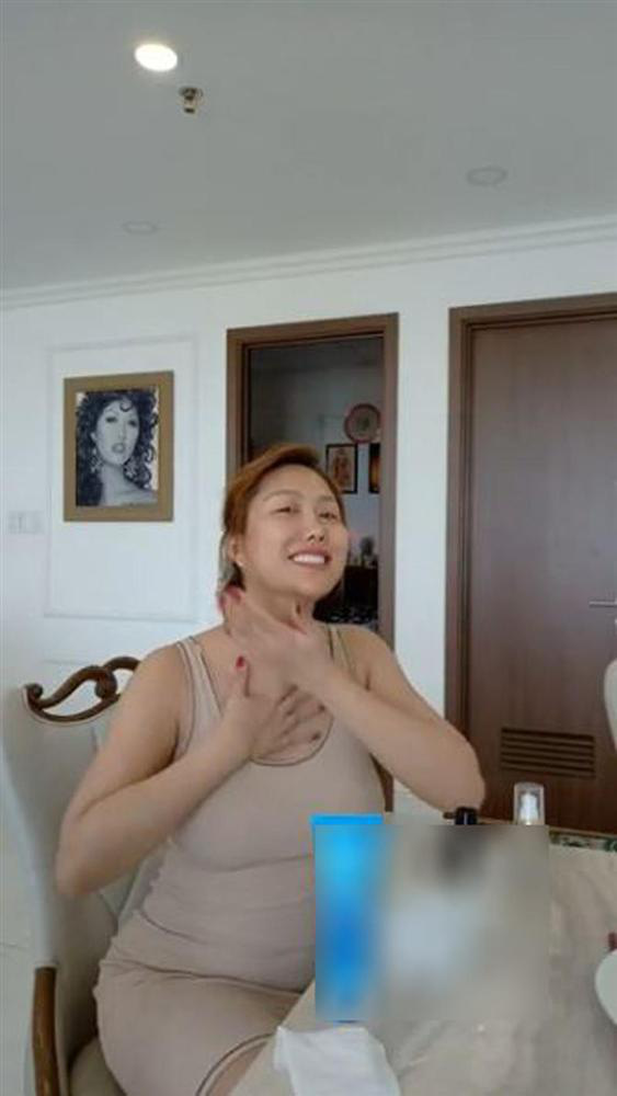 Phi Thanh Vân lấy lại vóc dáng thon gọn nhưng vòng 3 vẫn méo mó thiếu tự nhiên - Ảnh 2.