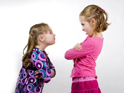Từ vụ học sinh lớp 1 bị bố bạn hành hung, đây là điều cha mẹ nên làm khi trẻ con mâu thuẫn - Ảnh 2.