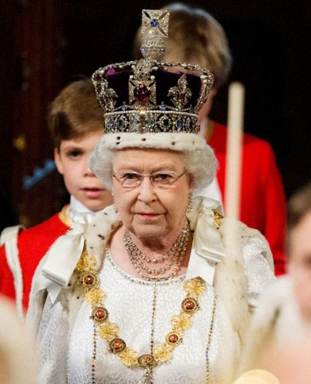 Thông tin mới về sự đổi ngôi của hoàng gia Anh với quyết định quan trọng của Nữ hoàng Elizabeth II đã được lên kế hoạch từ trước - Ảnh 1.