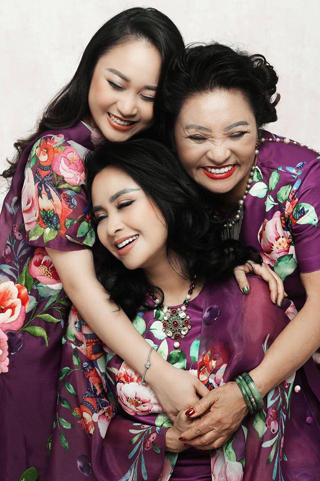 Loạt ảnh hạnh phúc của ba thế hệ nhà Thanh Lam - Ảnh 4.