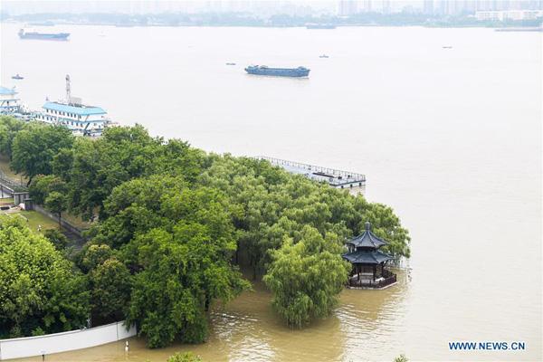 Hình ảnh lũ lụt tồi tệ tại Trung Quốc: Di sản bị nhấn chìm, đập lớn nhất thế giới đứng trước nguy cơ vượt giới hạn - Ảnh 3.