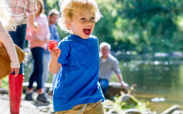 Cách dạy con của quốc gia hạnh phúc nhất thế giới tạo ra những đứa trẻ biết đồng cảm và hạnh phúc - Ảnh 2.