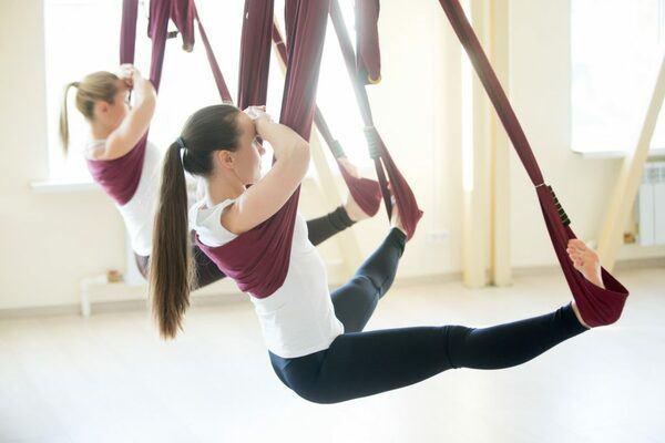Khoe hình tập luyện trên không với body hoàn hảo từng centimet, Quỳnh Nga được khen đẹp như chị Hằng - Ảnh 8.