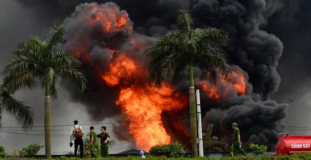 Kết quả quan trắc vụ cháy kho hóa chất ở Long Biên là chưa minh bạch? - Ảnh 2.