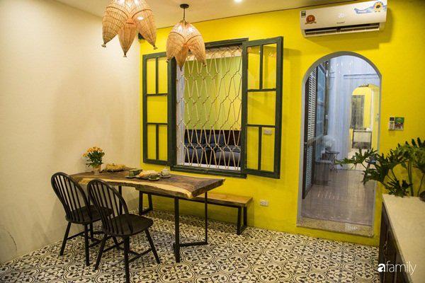 Căn hộ tập thể màu vàng sắc nắng mang vẻ hoài cổ ấn tượng ở quận Hoàn Kiếm, Hà Nội - Ảnh 2.
