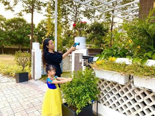 Vườn rau ăn không xuể trong biệt thự 200m2 của Á hậu Trịnh Kim Chi, ngạc nhiên nhất là chi phí đầu tư chỉ... 3 triệu đồng - Ảnh 15.