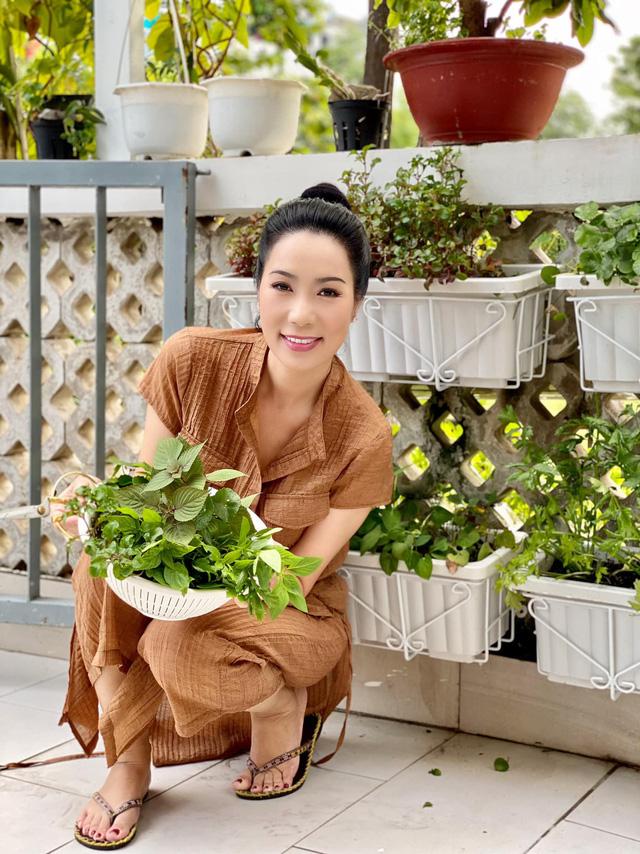 Vườn rau ăn không xuể trong biệt thự 200m2 của Á hậu Trịnh Kim Chi, ngạc nhiên nhất là chi phí đầu tư chỉ... 3 triệu đồng - Ảnh 6.
