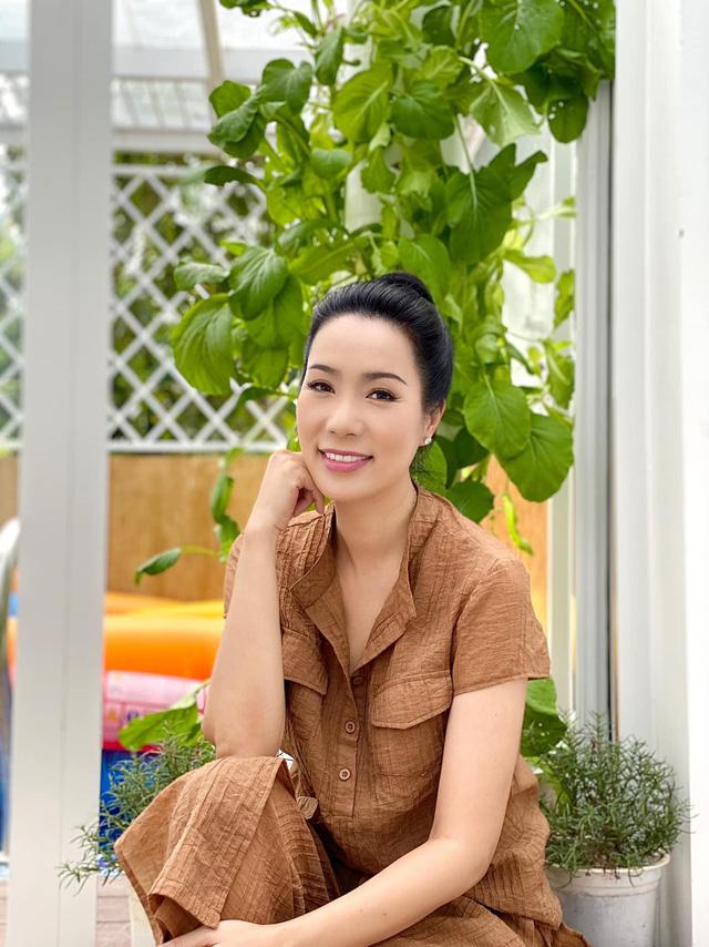 Vườn rau ăn không xuể trong biệt thự 200m2 của Á hậu Trịnh Kim Chi, ngạc nhiên nhất là chi phí đầu tư chỉ... 3 triệu đồng - Ảnh 2.