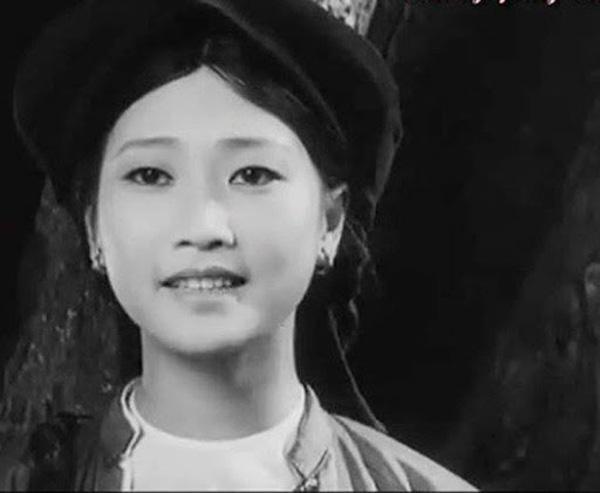 """Đời thực viên mãn của cặp chị em NSND Như Quỳnh và Hoàng Xuân phim """"Đừng bắt em phải quên"""". - Ảnh 1."""