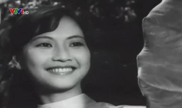 """Đời thực viên mãn của cặp chị em NSND Như Quỳnh và Hoàng Xuân phim """"Đừng bắt em phải quên"""". - Ảnh 2."""