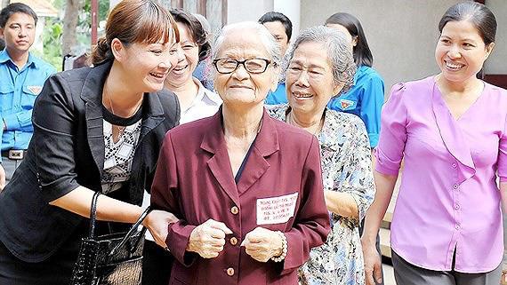 TP.HCM chú trọng công tác Chăm sóc sức khỏe người cao tuổi - Ảnh 1.