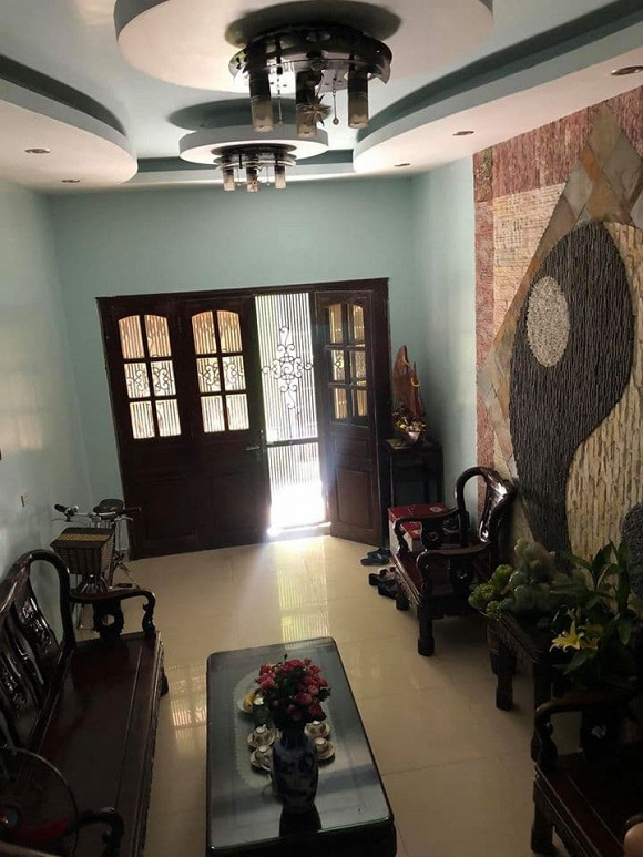 Khám phá nhà của gia đình vợ cũ Thành Trung tại Hà Nội - Ảnh 8.