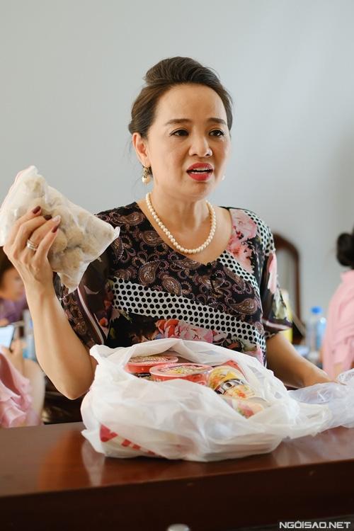Diễn viên Người đẹp Tây Đô mang tiệm tạp hóa đi quay phim - Ảnh 9.