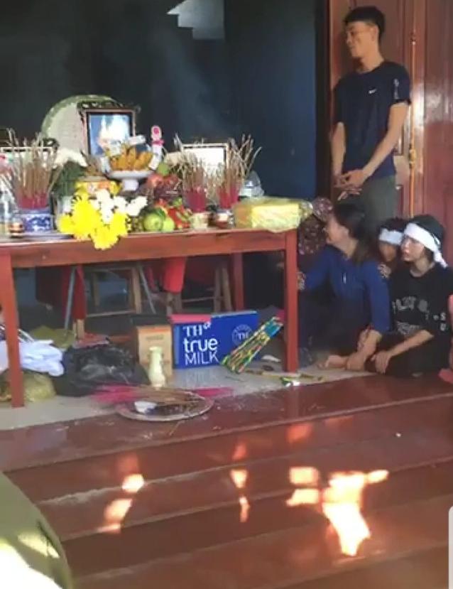 Vụ 4 mẹ con thương vong trong căn nhà cháy: Xót xa cảnh người đầu bạc tiễn kẻ đầu xanh - Ảnh 3.