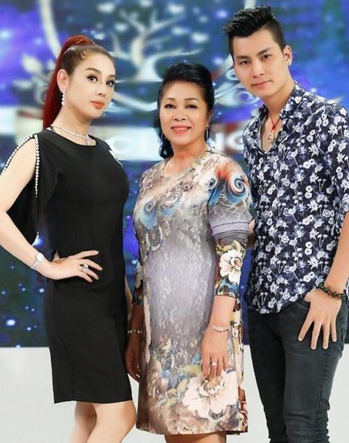 Lâm Khánh Chi được bố mẹ chồng tặng nhà 9 tỷ - Ảnh 1.