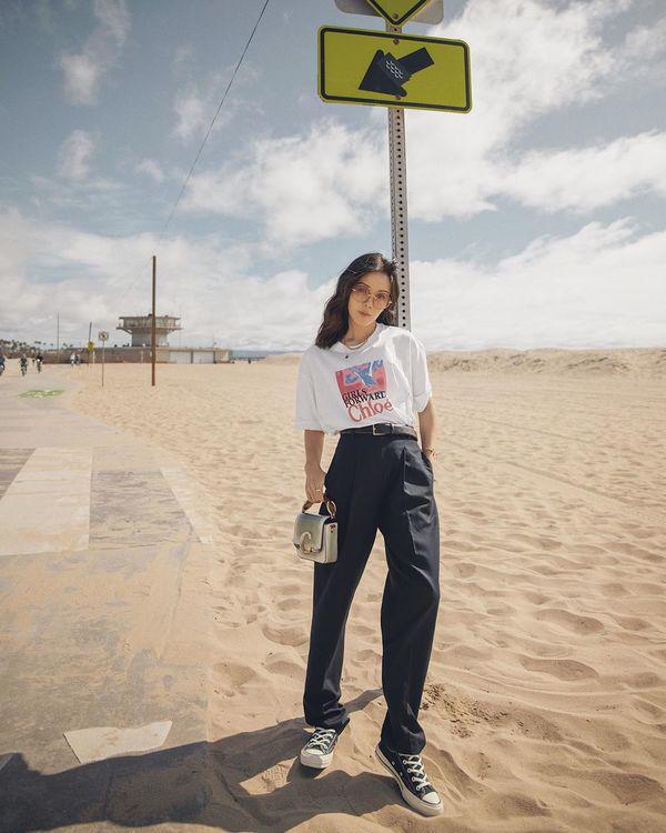 MC Mai Ngọc đi du lịch vẫn đóng bộ trẻ trung như đi làm - Ảnh 11.